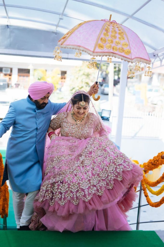 How To Sit In A Heavy Lehenga?