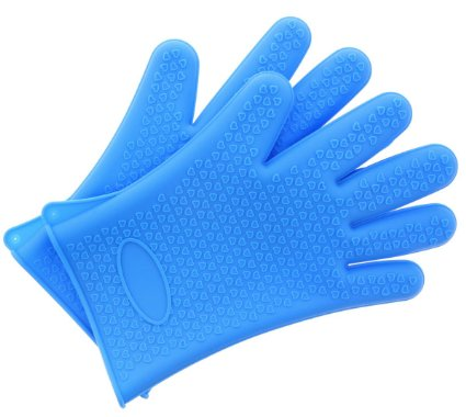 Amazon: Mother OR Father's Day gift?? Silicone Gloves – Heat Resistant Cooking Gloves Or Grill Gloves! Only $6.99!