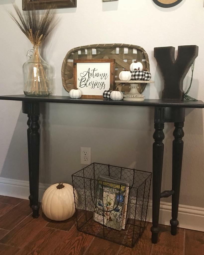 Fall Home Tour, Simple Fall Decor, Home Tour 2018, Autumn Blessings, Wood Sign, Black and White decor, White pumpkins