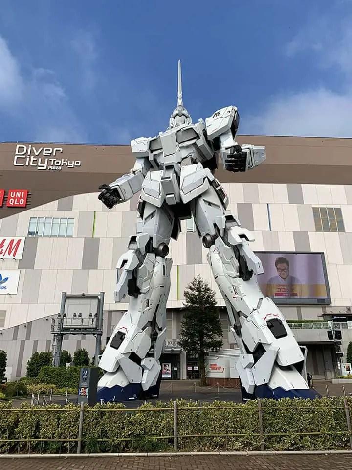 See Gundam statue in Odaiba