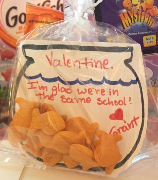 Goldfish bowl valentine - 12 Candy Free Valentines For Classmates And Teachers