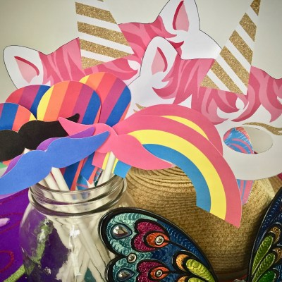DIY Unicorn Party Photo Wall – With Printable Props