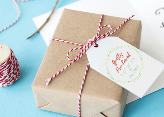 """Gift tag that reads, """"Gently Pre-Loved, A Gift For You & The Planet"""" - 5 Ways To Give Eco-Friendly Holiday Gifts With Printable Card & Gift Tags"""