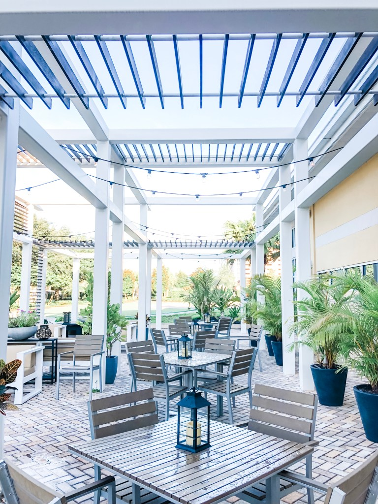 Patio seating at Wyndham Orlando Resort International Drive
