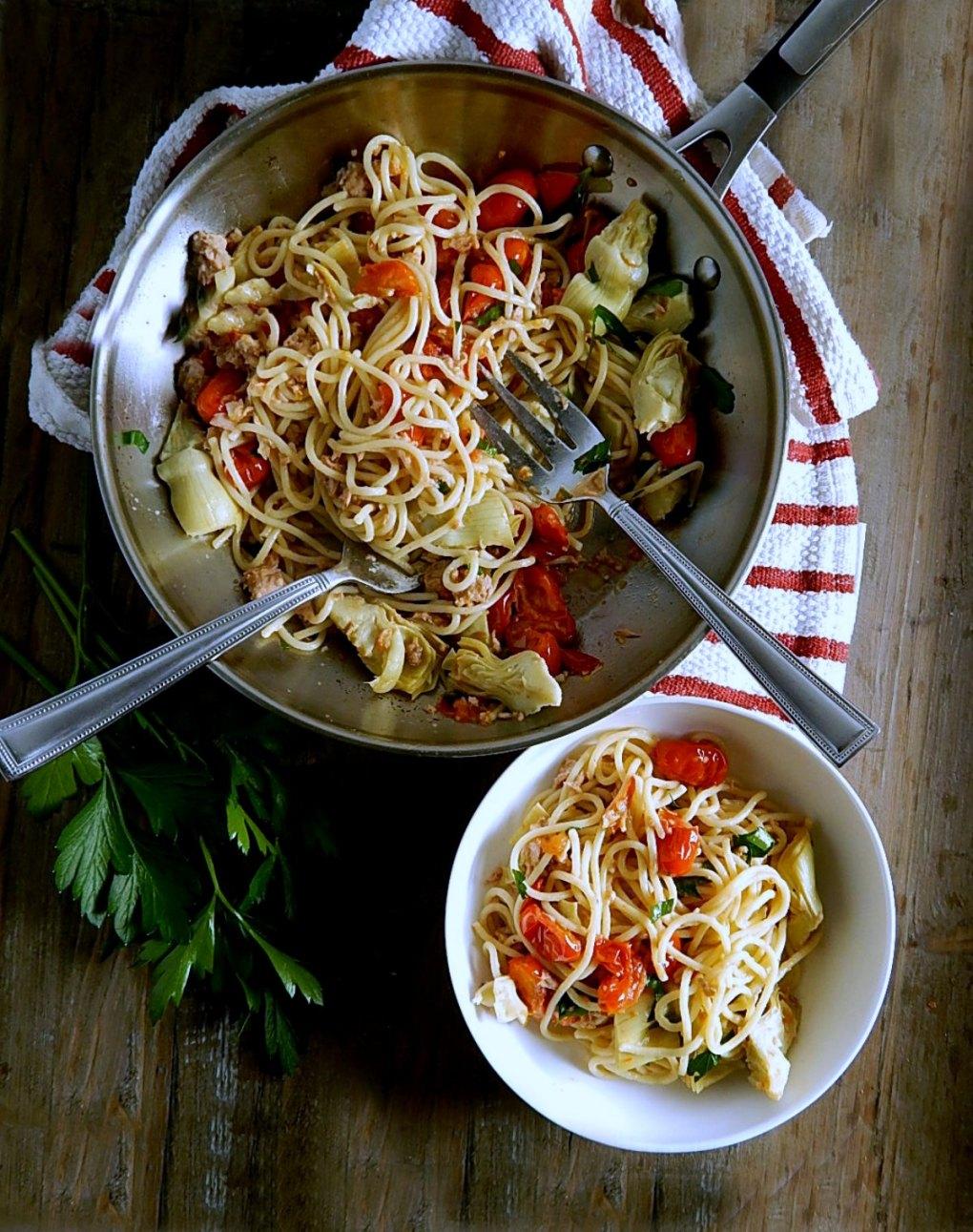 Pasta with Tuna, Tomatoes, Artichokes