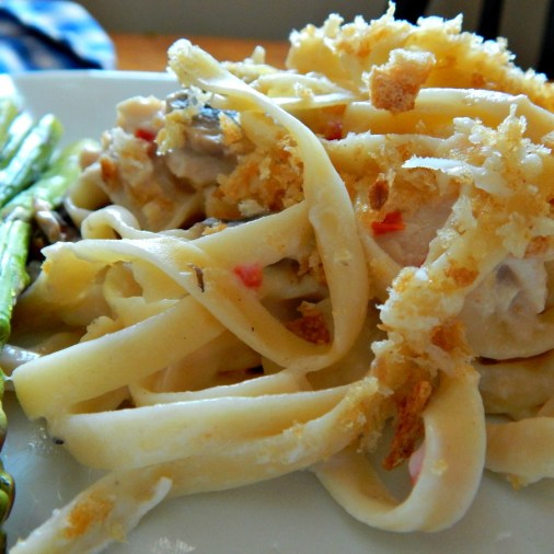 Turkey Tetrazzini made with a substitute for canned soup, cream of anything soup http://frugalhausfrau.com/2011/11/13/turkey-tetrazzini/