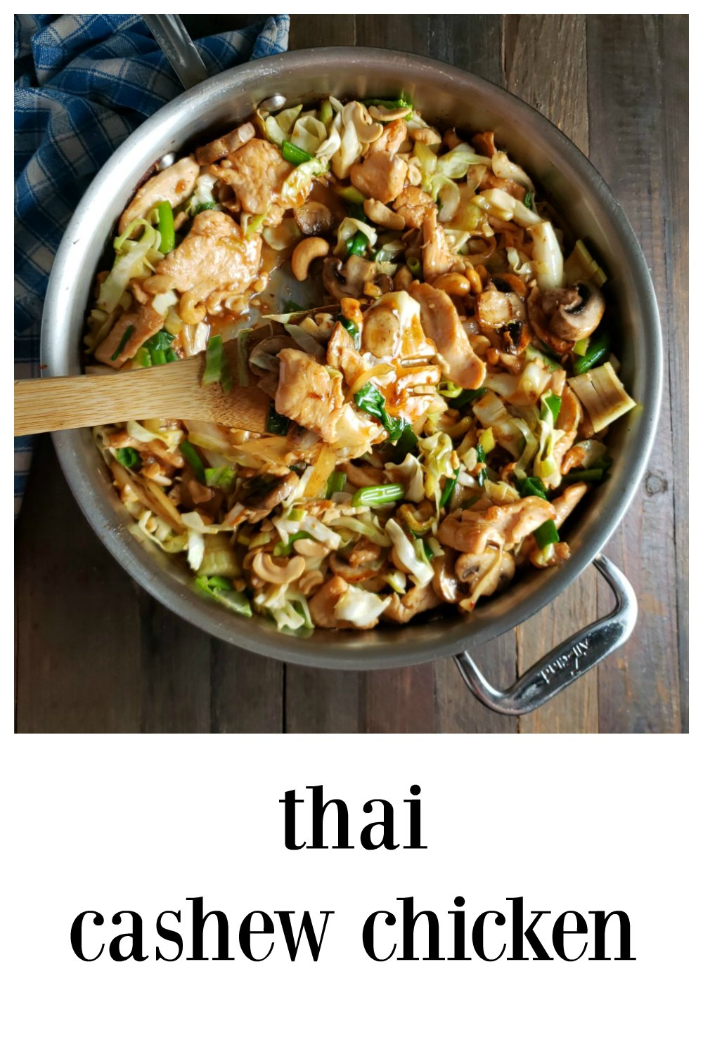 Thai Cashew Chicken. fresh and fast, this might just be your next goto summer stir fry. You're gonna love the sweet-spicy sauce! #ThaiChicken #ThaiStirFry #ThaiCashewChicken #Asian #Thai #ChickenStirFry