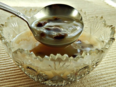 Rum, Whiskey or Vanilla Sauce - it can be made with or without Raisins