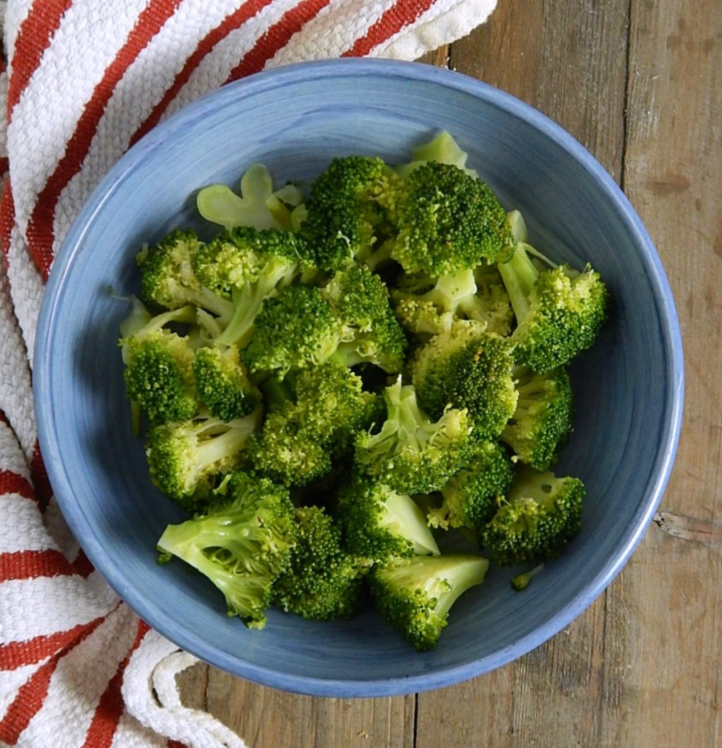 Simple Steamed Broccoli