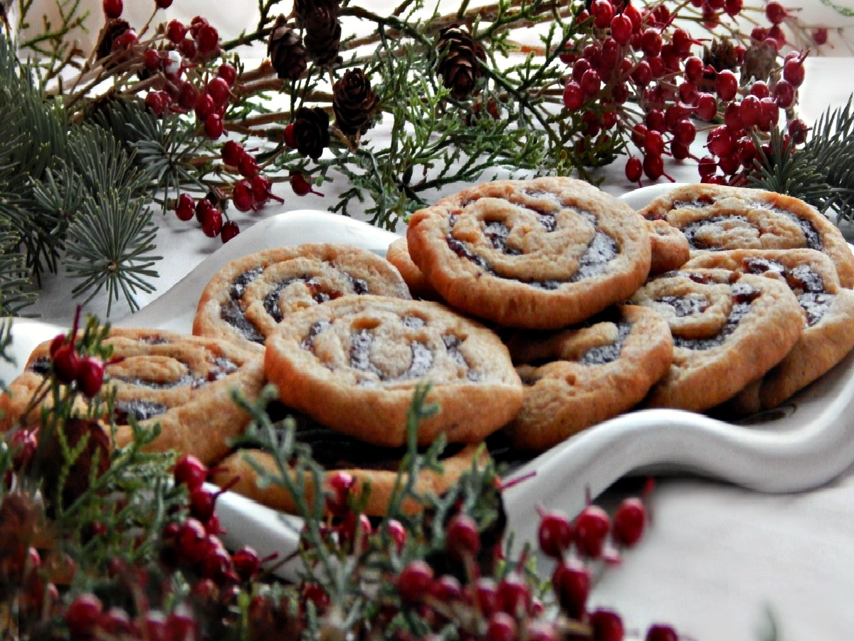 Old Fashioned Date Pinwheel Cookies - Grandma's Recipe