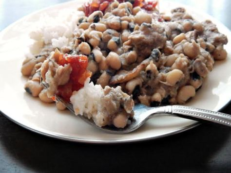 Traditional Black Eyed Peas - the perfect bite!