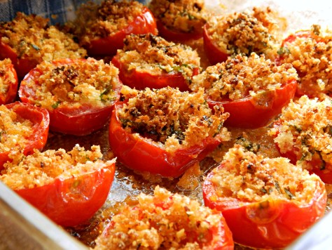 Baked Tomatoes with a Garlicky Breadcrumb Crust