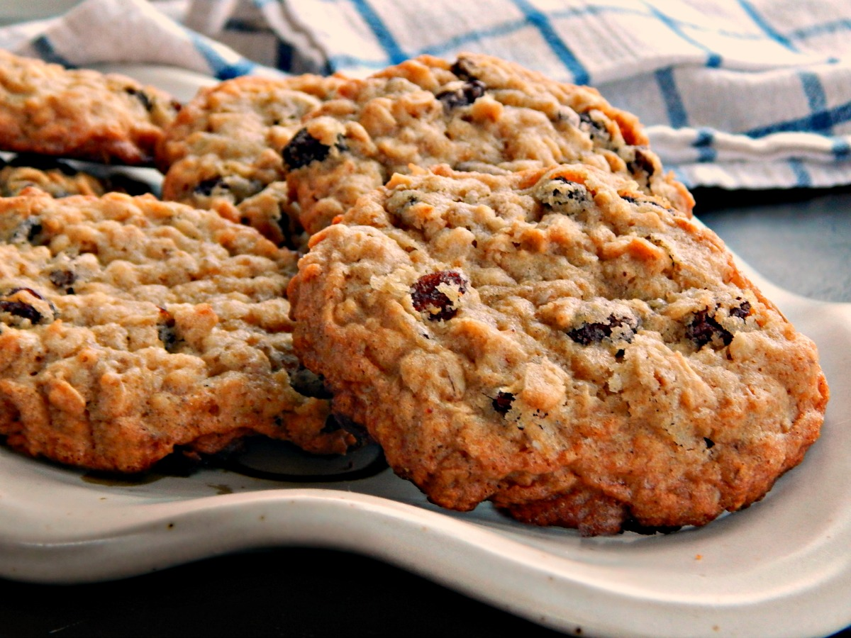 Big Chewy Oatmeal Cookies