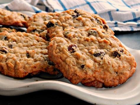 Big Chewy Oatmeal Cookies