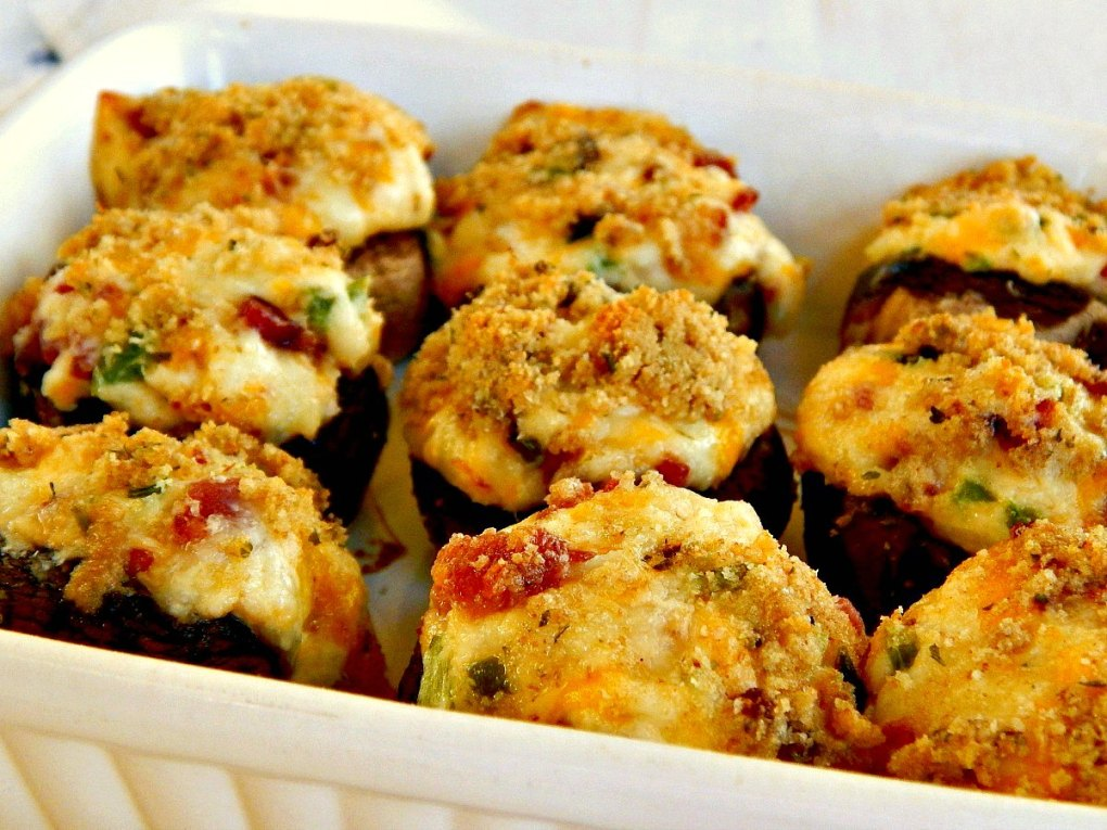 Cheddar Bacon Jalapeno Stuffed Mushrooms