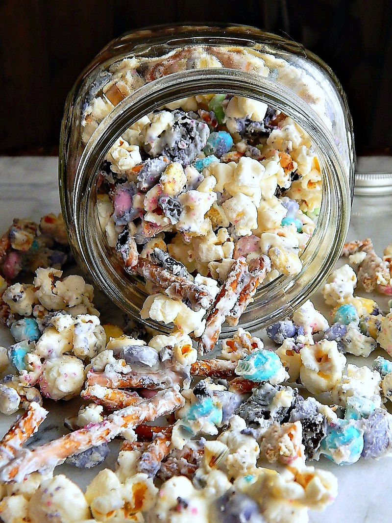Peeps Oreo White Chocolate Pretzel Bunny Bait Popcorn