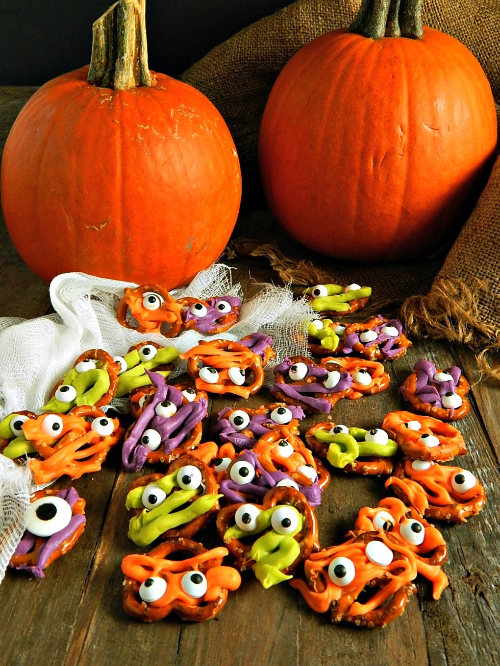 Halloween Pretzel Monsters