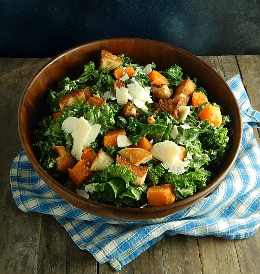 Kale Salad With Creamy Caesar