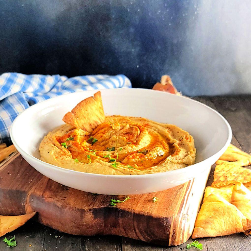 Garlicky Spicy Hummus