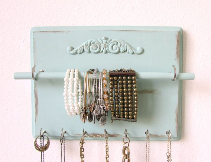 Organize your jewelry with this Custom Jewelry Organizer from The Hope Stack.