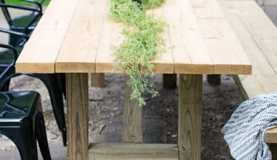 DIY Table Outdoors