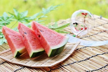スイカの種類一覧!甘くて美味しい品種を探せ!