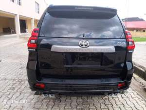 Bishop David Oyedepo's Member gifts Living Faith Pastor a car
