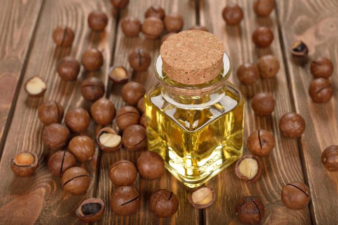 Особенно большой популярностью масло макадамии пользуется среди женщин