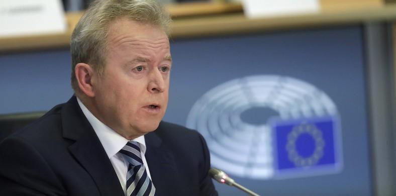 Az EU mezőgazdasági biztosa meg akarja védeni a gazdákat