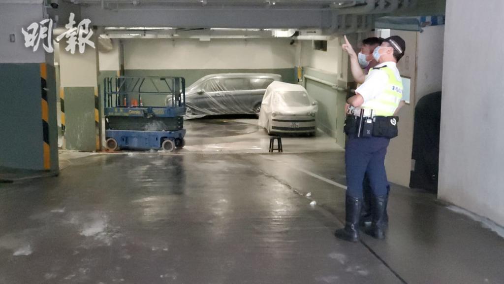 觀塘升降臺突滑行 工人遭撞向柱下半身嚴重受傷 (18:32) - 20210403 - 港聞 - 即時新聞 - 明報新聞網