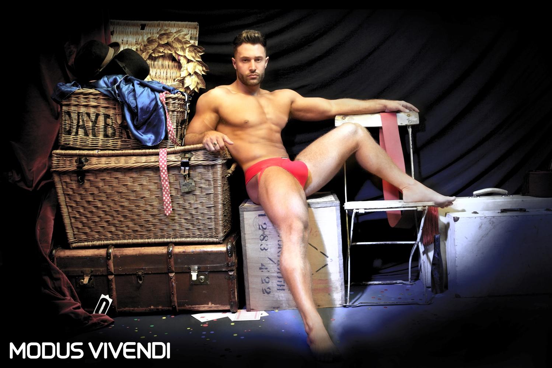 Modus Vivendi - Dark Circus (Transparent Line)