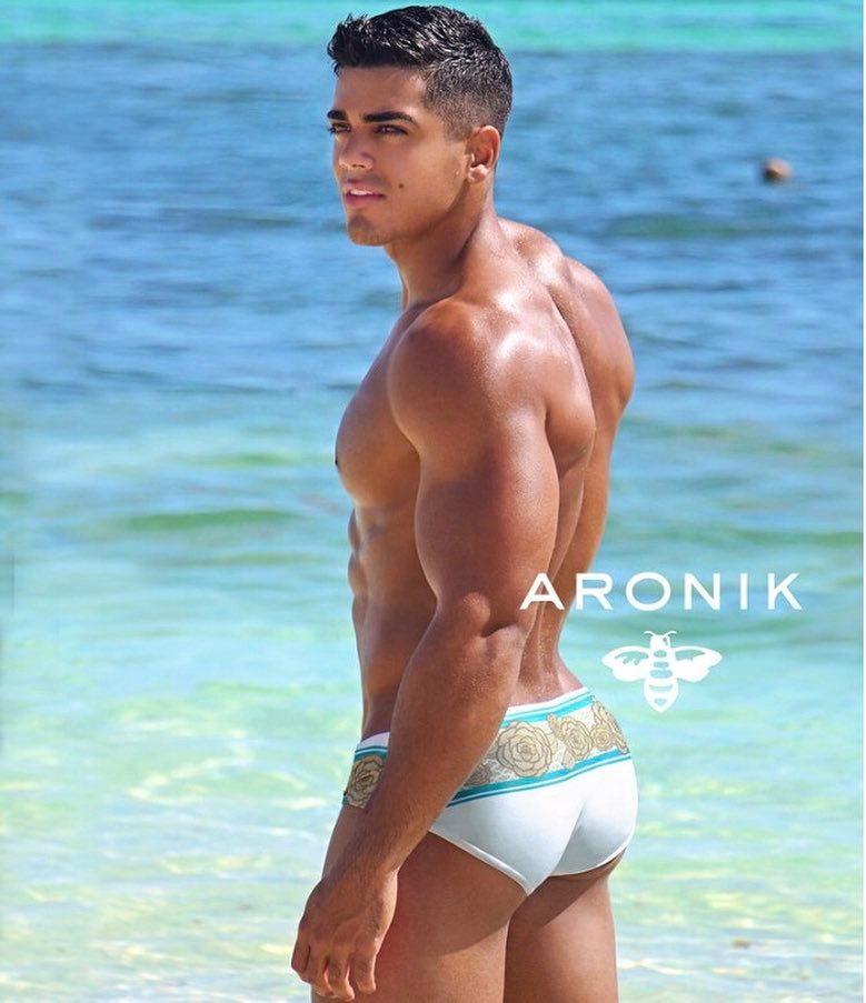 Jay Torres by Edwin Lebron (Aronik Swim)