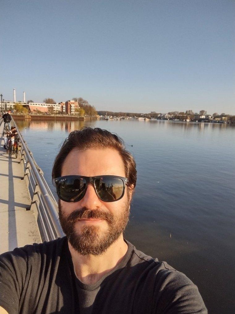 Motorola Moto G10 camera review selfie