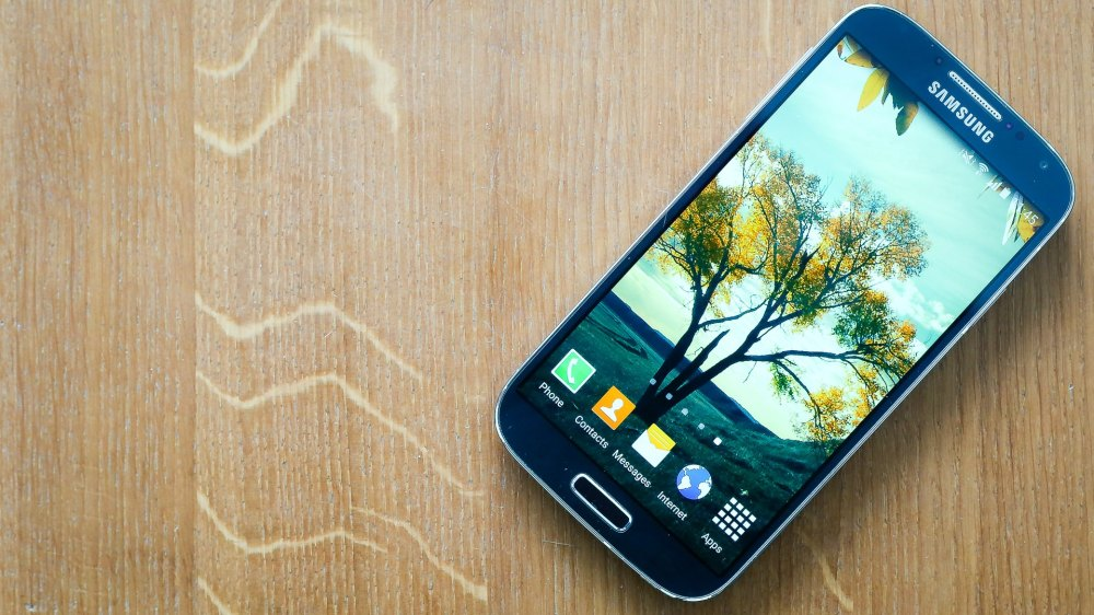 medium resolution of galaxy s4 owners here are 5 reasons you shouldn t upgrade to a new phone androidpit