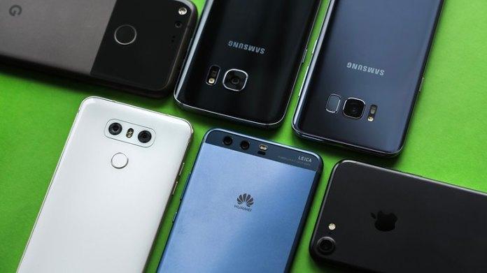 Da Apple a Oppos: quale marca di smartphone ha la base di fan più fedele?