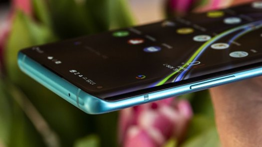 AndroidPIT oneplus 8 pro curved display cr2