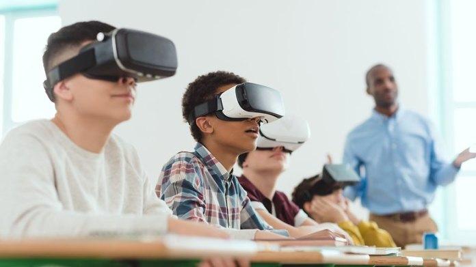 VR combinato con scansioni del cervello: il futuro del lavoro e dello shopping?