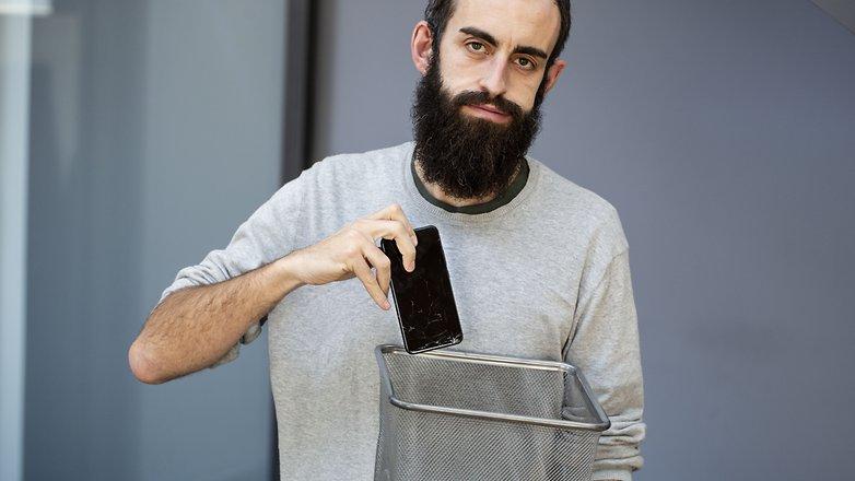 сломанный scren телефон мусор 02