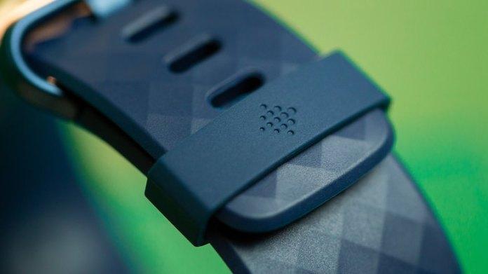 NextPit Fitbit Charge 4 logo strap