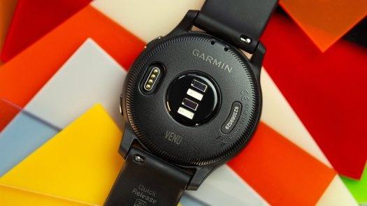 NextPit Garmin Venu back sensor