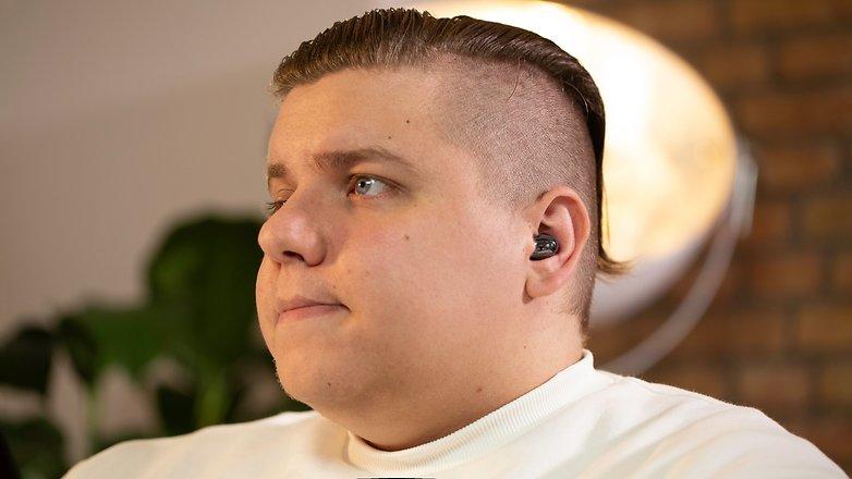 NextPit Samsung Galaxy Buds Live ear