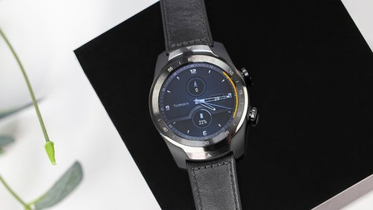 AndroidPIT TicWatch Pro front time