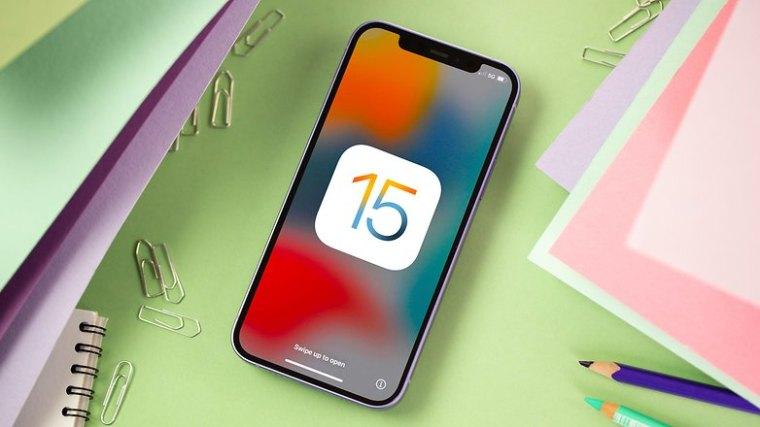iOS 15 iPhone Purple