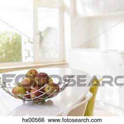 Modern Kitchen Table Small Square 创意设计图片在线 苹果 在中 电线篮 在上 现代 厨房桌子hx00566 厨房桌子