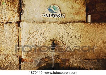 Stock Fotograf  gourdon provence france wasserhahn