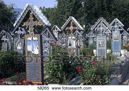 Stock Bild  grabsteine in friedhof Sapanta rumnien
