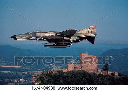 Side profile of an RF-4C Phantom II fighter plane in flight Stock Photo | 1574r-04988 | Fotosearch