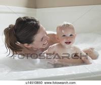 Stock Fotografie - mutter baby, haben, wannenbad u14510850 ...