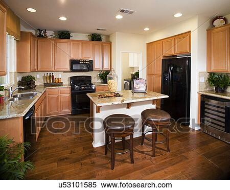 kitchen island with bar table decorations 图片银行 厨房 岛 带 早餐酒吧 在中 rancho cucamonga california 美国