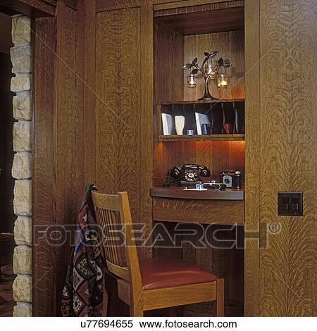 build kitchen table built in soap dispenser for sink 图片银行 厨房 桌子 区域 脱开 主要 是 a 建造 入 墙壁 电话 艺术 工艺 风格 称呼 1940 s 带 葡萄收获期 同时 照相机 白的橡木